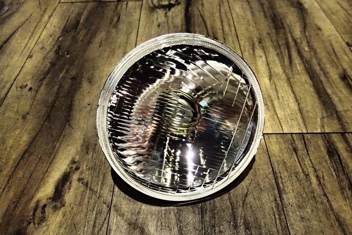 DJD19040123 MAZDA 323 04-06年 前保桿霧燈