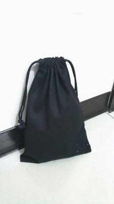 小瓶子~~簡易素雅手工束口袋胚布袋胚布包空白袋手工藝蝶古巴特(14*16 黑 單層)