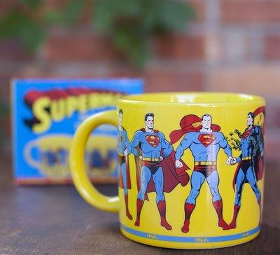 【丹】A_Superman Through the Years Coffee Mug 超人 歷代 馬克杯