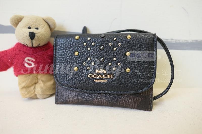 【Sunny Buy精品館】◎現貨◎Coach 32026 證件包信用卡包零錢包 黑色鉚釘設計深咖啡C logo 附掛帶