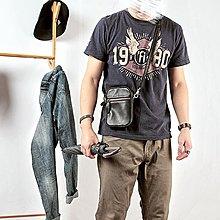 ~皮皮創~原創設計手作包。英倫風真皮手機包迷你小包斜背包頭層牛皮側背包肩背包死飛包騎行包