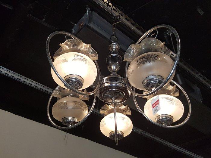 【卡卡頌 歐洲老傢俱 /跳蚤市場/西洋古董 】比利時 老件 花朵玻璃燈罩 吊燈 l0068✬