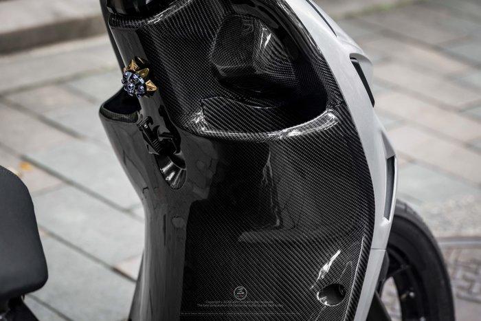 三重賣場 AI1 碳纖維 內裝 內護板 AI1車殼 卡夢內裝 AI1碳纖維內裝 卡夢車殼 AI1電動車卡夢前置物 碳纖維
