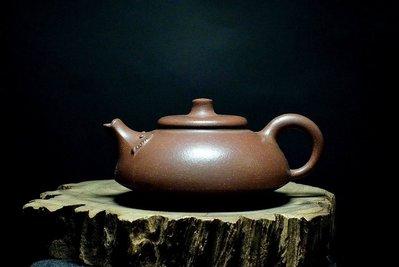 大金壺-早期原礦老紫泥  土胎漂亮 手工泥繪   好泡好養  陶純制陶