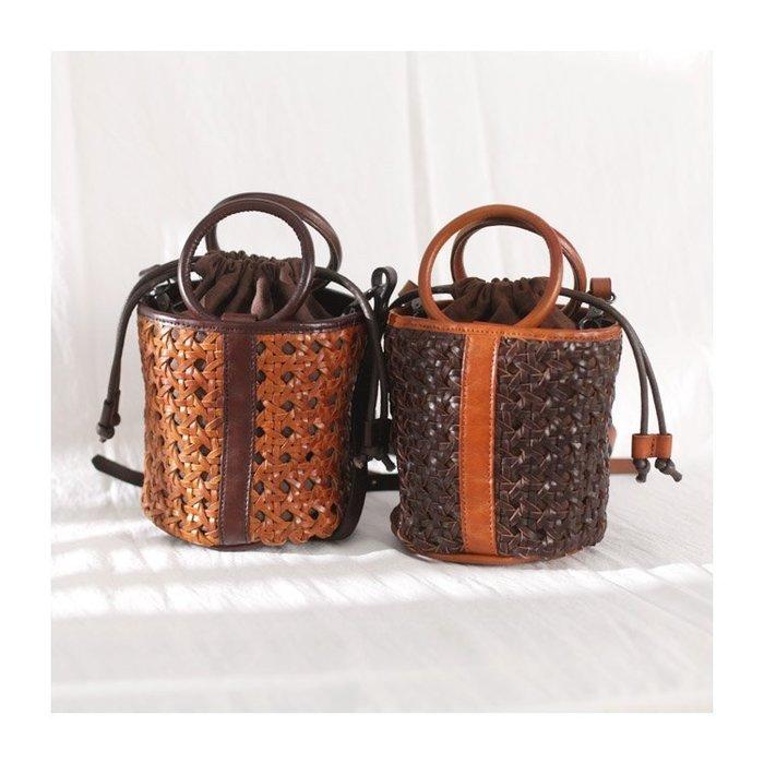 文藝復古真皮編織水桶包女抽繩斜挎包皮的女包新款2019單肩手提包