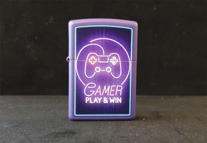 ONE*$1~*美系*ZIPPO*GAMER《遊戲玩家》紫色霓虹彩繪*編號:49157