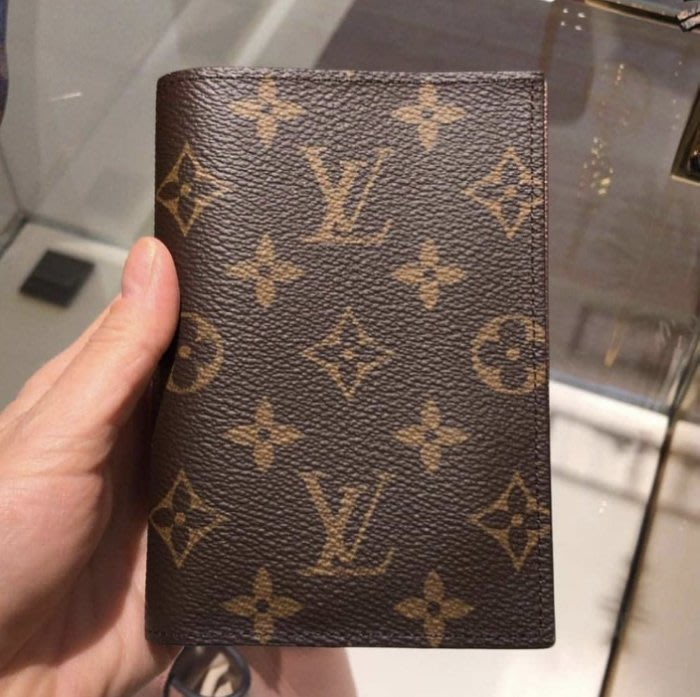 LV M64602 Monogram 老花護照夾