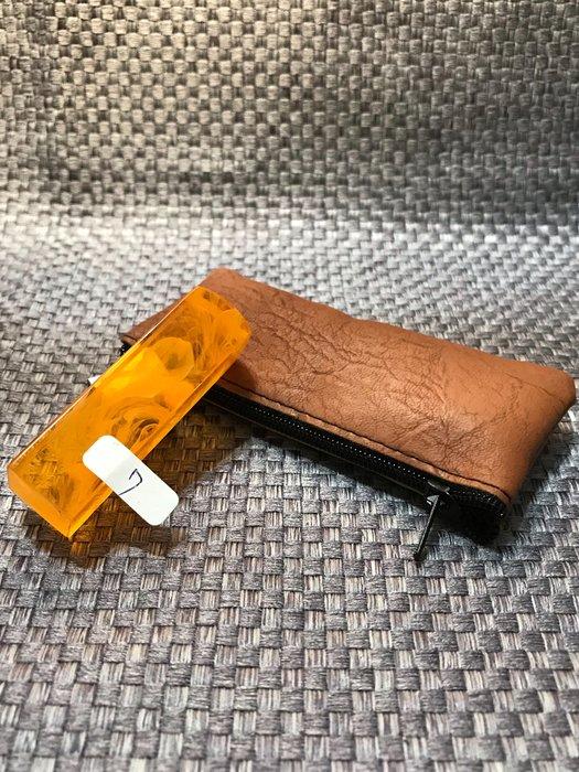 5分方章、仿琥珀香料壓克力印章【客製化印鑑章】(1.5公分)、含刻贈送拉鍊袋、特價每顆:199元、編號07、優惠100組