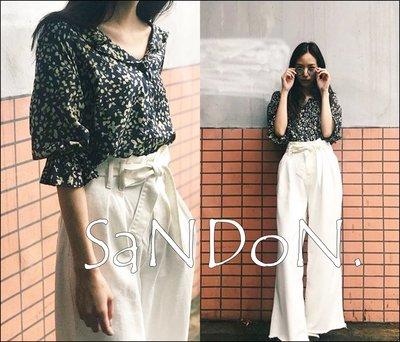 SaNDoN x『MOUSSY』氣質花朵花袖喇叭V領襯衫上衣 SLY SNIDEL EMODA 170711