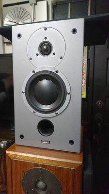 出售一對丹麥書架壁掛喇叭  Dynaudio Audience 42W 經典Dynaudio單體完美如新~ 音箱狀況如圖