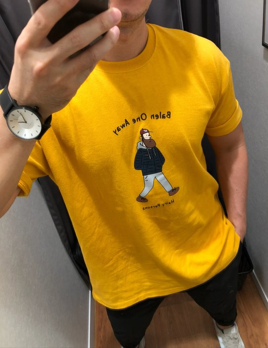 周董的店 Behind you自訂款 鬍男人物圖騰寬鬆短T-現貨+預購