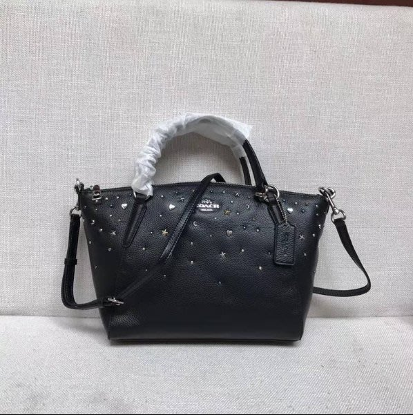 我愛名牌COACH包,美國100%正品【清倉低價出售購買兩件免運費】22312  女士肩背包 皮革星星鉚釘裝飾餃子包