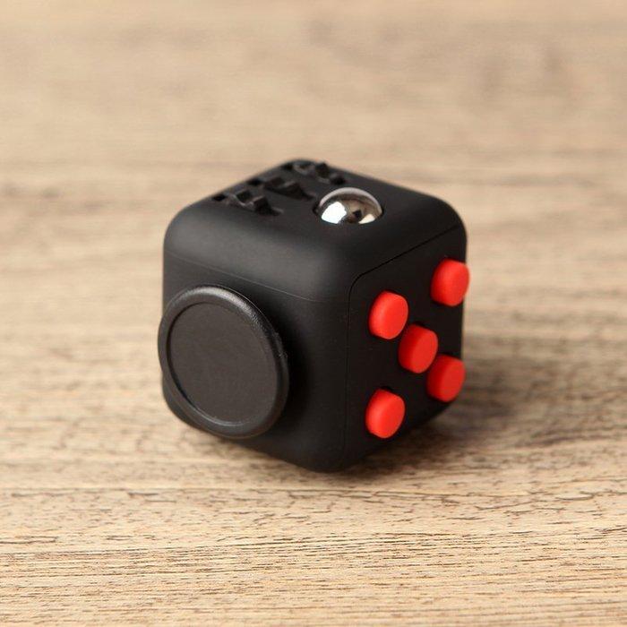 現貨/fidgettoycube美國原裝減壓骰子抗煩躁焦慮發泄神器解壓魔方塊167SP5RL/ 最低促銷價