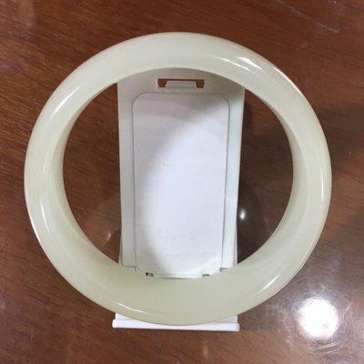 義大利青玉手鐲 (白色系)尺寸:內徑60.5MM 版寬18MM