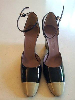 歐洲品牌 JILSANDER 黑前亮黃皮雙色楔型涼鞋 原價 兩萬多 只賣 6000