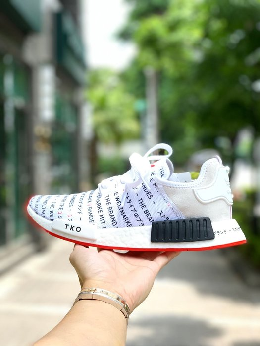 【Cheers】ADIDAS NMD R1 Tokyo 東京 滿版 文字 女鞋 EH3201 限量 歐美限定