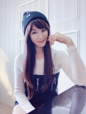 *Beauty*CARE LABEL白色蝴蝶結黑色毛線帽600元CR