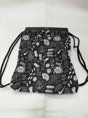 【n0900台灣健立最便宜】2019 NIKE-輕量束口袋 Graphic Gym Sack BA6009-010(46