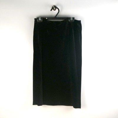 200501品牌NATURALIST黑色絨布及膝裙9號