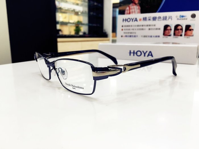 Masaki Matsushima 藍灰色鈦金屬鏡框 現代簡約風格 日本眼鏡時尚大獎的肯定 松島正樹