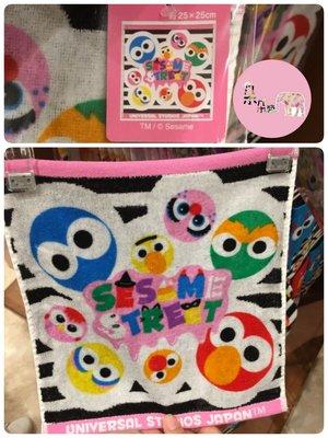 日本環球影城 萬聖節🎃限定 芝麻街 Elmo與好朋友 手帕🌸朵朵醬代購🌸