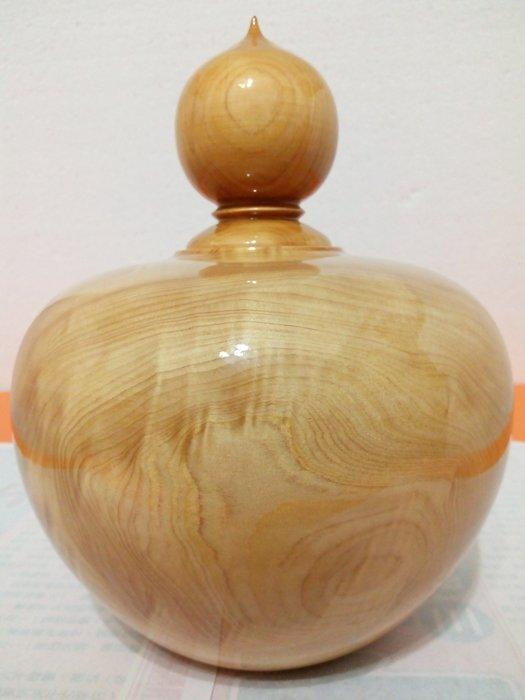 【九龍藝品】台灣紅檜 聚寶盆 折花.質量重.寬約17公分     (12)  V1673