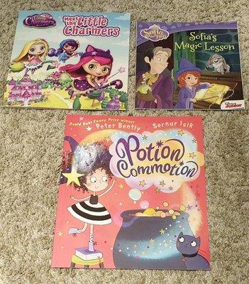 【便宜出清】兒童知名英文 繪本 書 Sofia's  Magic Lesson /Potion Commotion