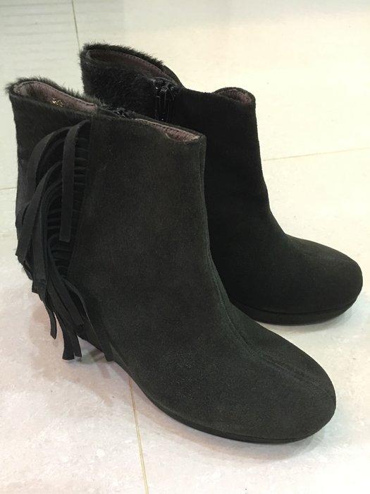 。☆全新☆。Annalee 短靴(36)//橄欖綠//原價$4880//低價出清
