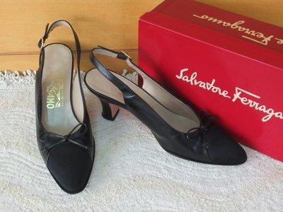 二手義大利製【Salvatore Ferragamo】蝴蝶結真皮黑色緞布 #7.5AA/23腳中細高跟後空涼鞋