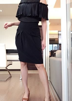 *Beauty*Moschino黑色造型摺裙  I38號  5980元