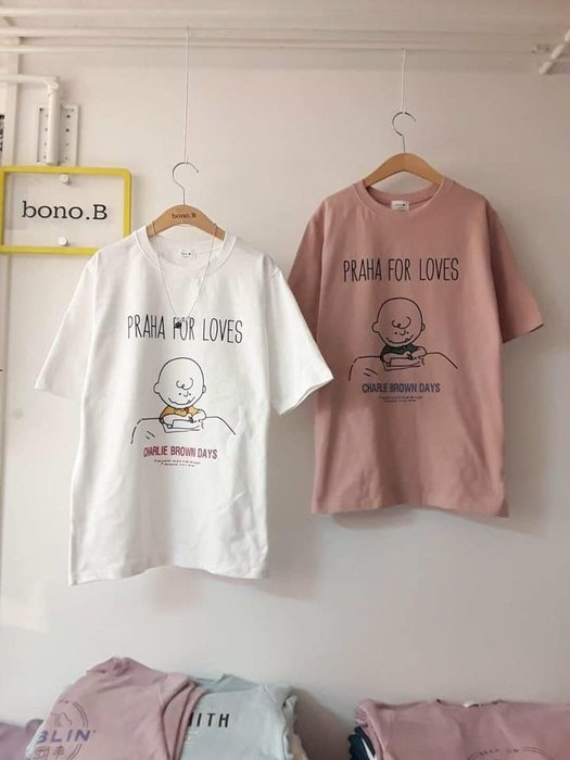 美麗喵。現貨。正韓 韓國製 PRAHA FORS LOVES 查理 短袖棉質T恤上衣(4色)