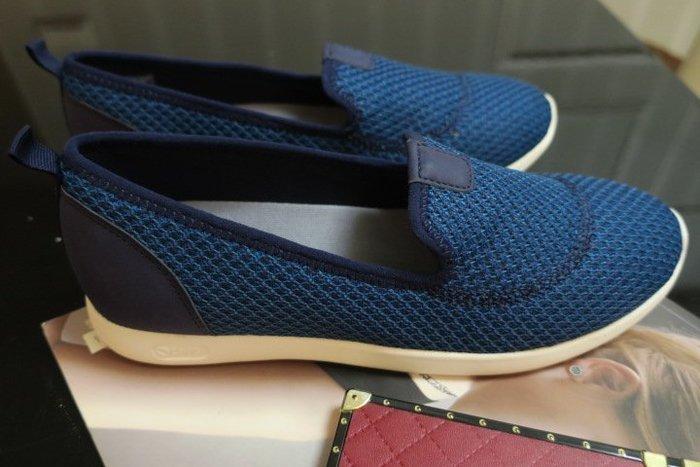 *Beauty*Hush Puppies藍色針織休閒鞋 US7.5W 號 1500   元 WE19