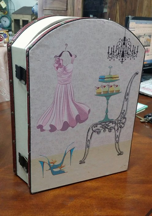 美生活館--全新鄉村生活雜貨ZAKKA --古典都會風 圖案鑰匙盒 KEYBOX 收納盒