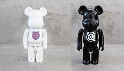 【車庫服飾】收藏品出售 BEARBRICK MEDICOM TOY 200% 超合金 @ 白色 黑色 兩隻一組 熊