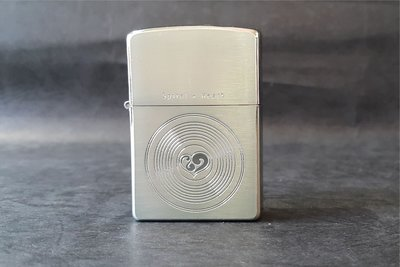 ONE~ 1~~日系~ZIPPO~Spiral Heart系列~2003~沸騰的心 ~鍍銀~編號:200S~CIRCLE