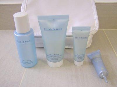 100%全新【Elizabeth Arden】Face Cleaning Set + Pooch Bag面部護理套裝 {四瓶包一個袋子)原$290