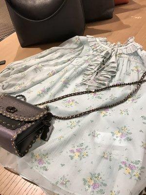 愛麗絲小舖~全新真品 COACH 72539 Prairie Bouquet Print Top蠶絲襯衫 ~ 現貨2號