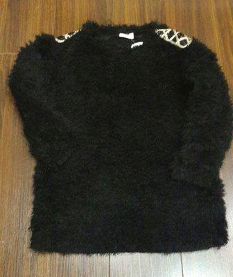 【Alice秘密衣櫥】韓國 正韓製 肩 亮片 造型 時尚感 毛茸茸 上衣 (可當親子裝小孩款) 尺寸13 現貨
