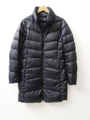 日本品牌 UNIQLO 女款 黑色 長板 輕羽絨外套 S號