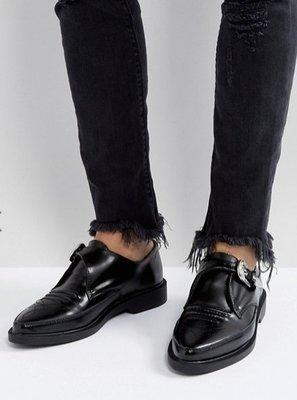 ◎美國代買◎ASOS車線圖騰與雕花金屬皮扣英倫龐克風金屬皮扣雕花尖頭皮鞋~歐美街風~大尺碼