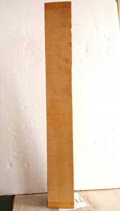 【九龍藝品】檜木 ~ 3寸角,長約70.6cm (5) 可各種運用