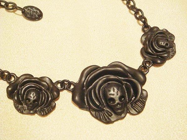 全新國外帶回,PINK JEWELERY 歌德式黑玫瑰骷髏頭造型項鍊,低價起標無底價!本商品免運費!
