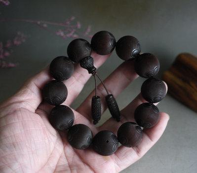 印度小葉紫檀   2.0/12顆   精品 雕花 手工款  高油密老料  雕小精緻細膩  ** K830