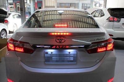 (小鳥的店)豐田 2014 ALTIS 11代  專用LED 後箱蓋飾條 行李箱飾條 尾門飾條 雙色 原廠精品