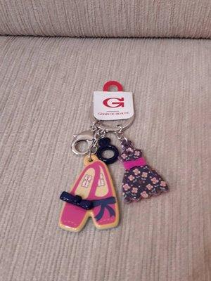 天使熊小鋪~GRAIN DE BEAUTE 洋裝鞋子戒指造型鑰匙圈/手提包吊飾~全新現貨~