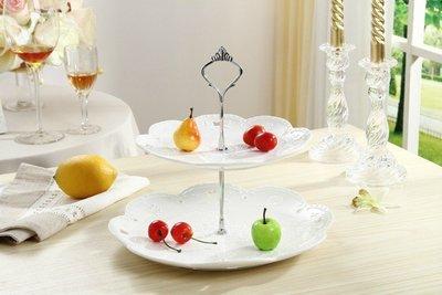 雙層蛋糕架---蕾絲浮雕鏤空雙層蛋糕盤/點心架/甜點/蕾絲/佈置--秘密花園