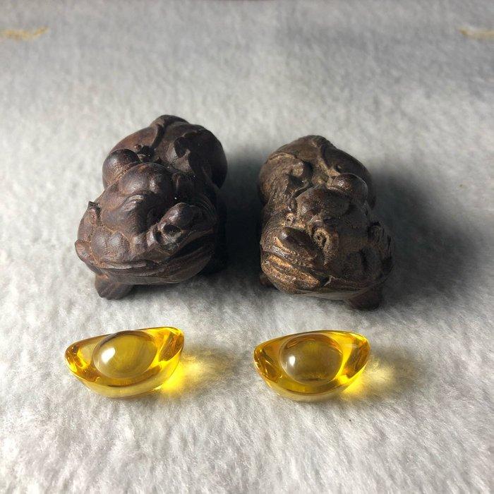 開運風水小擺件 石頭沉貔貅 精選石頭沉 木雕招財貔貅小擺件 送兩顆元寶