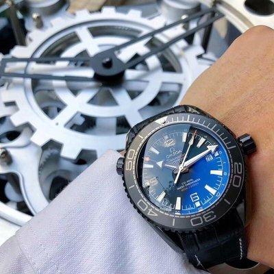 OMEGA 歐米茄海馬系列。這款經典而硬朗的時計,延續著歐米茄輝煌的海洋傳奇。歐米茄海馬系列Aqua Terra 別具一格的面盤設計