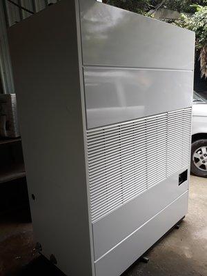 日立箱型水冷式15頓    冷氣保養維修     新舊買賣