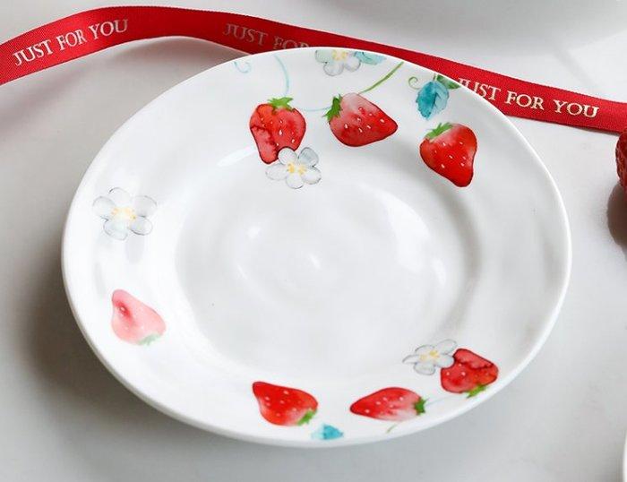 可口草莓點心盤  白盤  盤子  蛋糕盤  陶瓷餐具  草莓  點心盤  陶瓷盤子  菜盤  早餐盤【小雜貨】